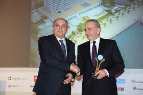 Κατηγορία Top Greek Hotel_GOLD AWARD:  MAKEDONIA PALACE. Την βράβευση έκανε ο κ. Ιωάννης Αμανατίδης, Υφυπουργός Εξωτερικών στον κ. Αλκιβιάδη Σωτηρίου, General  Manager του ξενοδοχείου.