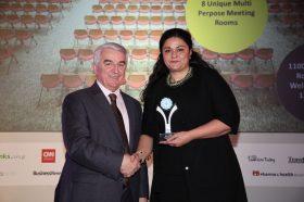 Κατηγορία Best Greek MICE City Hotel_ SILVER  AWARD: NOVOTEL ATHENS. Την βράβευση έκανε ο κ. Αθανάσιος Μπούρας, Βουλευτής ΝΔ & Αναπληρωτής Τομεάρχης Οικονομίας & Ανάπτυξης, στην κα Ελένη Ξιαρχογιαννοπούλου, Υπεύθυνη Πωλήσεων.