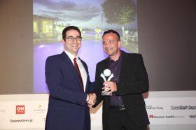 Κατηγορία Best Greek Beach Resort_ SILVER AWARD: OASIS. Την βράβευση έκανε ο κ. Ιωάννης Δημόπουλος, Διευθύνων Σύμβουλος του Ekdromi.gr, στoν κ. Μιχάλη Πάνου, Ιδιοκτήτη.