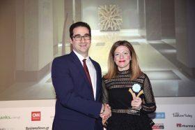 Κατηγορία Best Greek Design Resort_ BRONZE AWARD: AVRA IMPERIAL HOTEL. Την βράβευση έκανε ο κ. Ιωάννης Δημόπουλος, Διευθύνων Σύμβουλος του Ekdromi.gr, στην κα Αθηνά Χανιωτάκη, Διευθύνουσα Σύμβουλο.