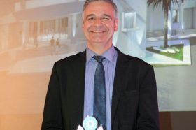 Κατηγορία Best Greek Excellence in Service Hotel _ SILVER AWARD: MYTHOS PALACE RESORT & SPA. Το βραβείο παρέλαβε ο  κ. Ιωάννης Πνευματικάκης, Διευθυντής του ξενοδοχείου.