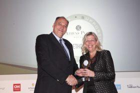 Κατηγορία Best Greek Sustainable Hotel _ BRONZE AWARD: NJV ATHENS PLAZA. To βραβείο παρέλαβε η κα Αφροδίτη Αρβανίτη, Γενική Διευθύντρια.