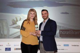 Κατηγορία Best Greek Romantic Resort_GOLD AWARD:  On Τhe Rocks Santorini (μέλος της HotelBrain)